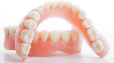 протезирование зубов при полном отсутствии зубов