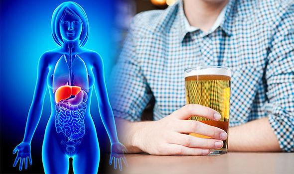 Алкоголь токсически действует на печень