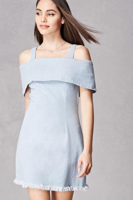 платье рубашка с воланом и открытыми плечами