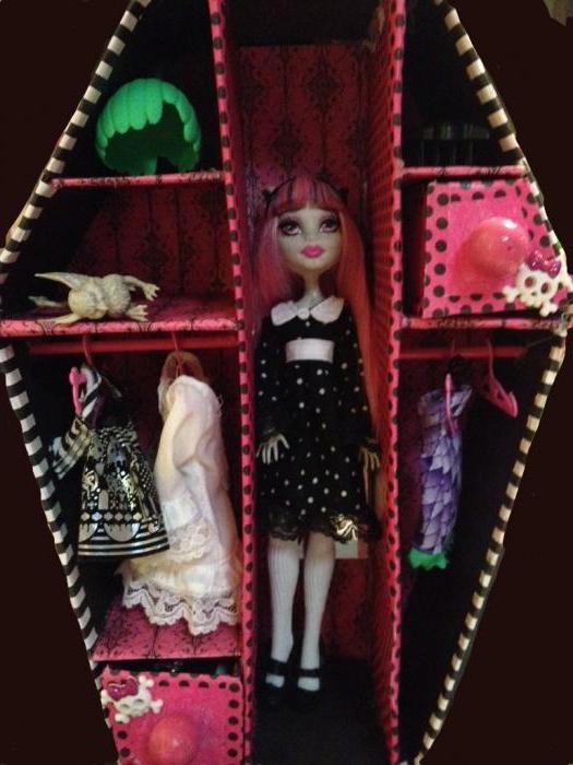 Как сделать чемодан для куклы монстер хай своими руками