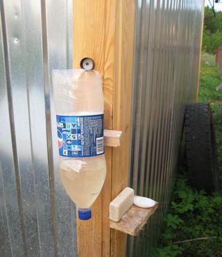 умывальник из пластиковой бутылки своими руками фото