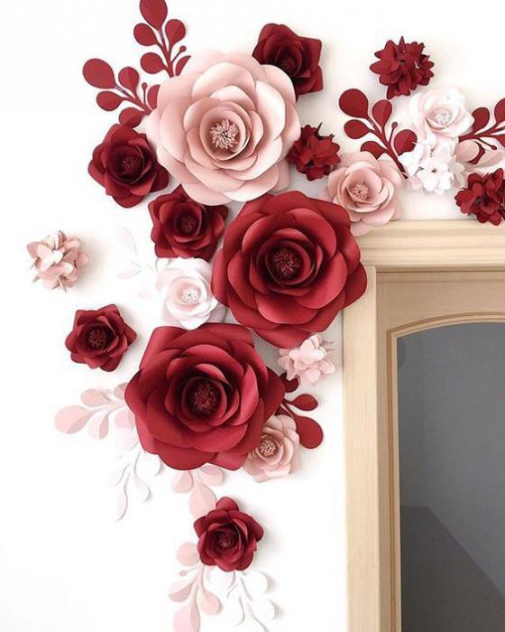 Композиция из бумажных цветов на стену своими руками 24