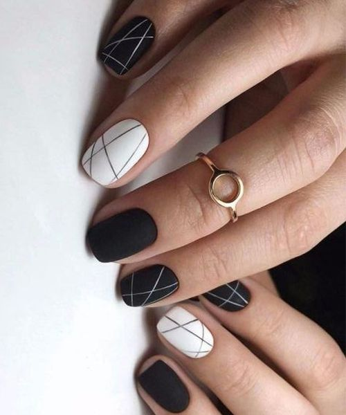 thin lines on the nails
