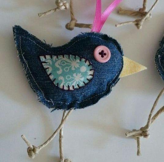 птичка из джинсовой ткани