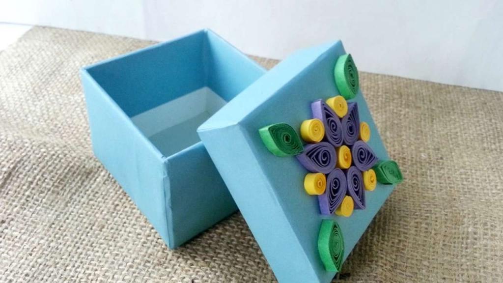 коробка с полосками квиллинга