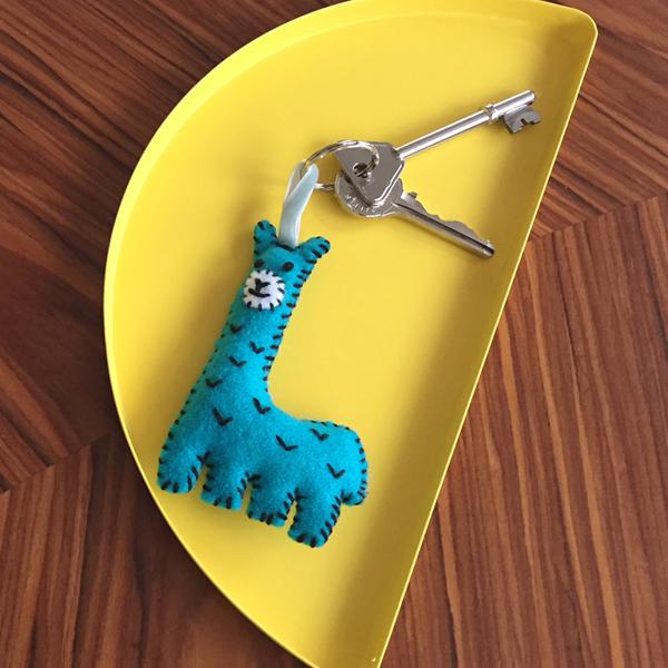 брелок жираф