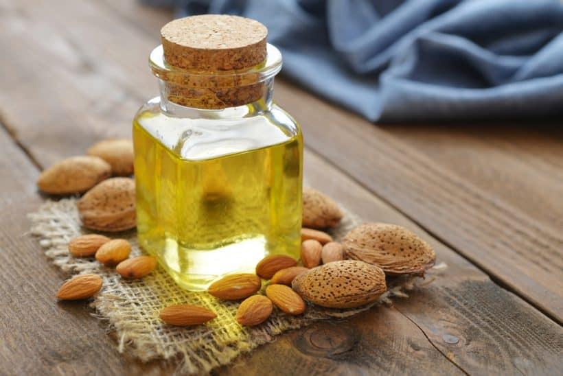 Миндальное масло для лица от морщин: свойства, польза и вред, особенности применения