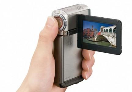 какую видеокамеру лучше купить