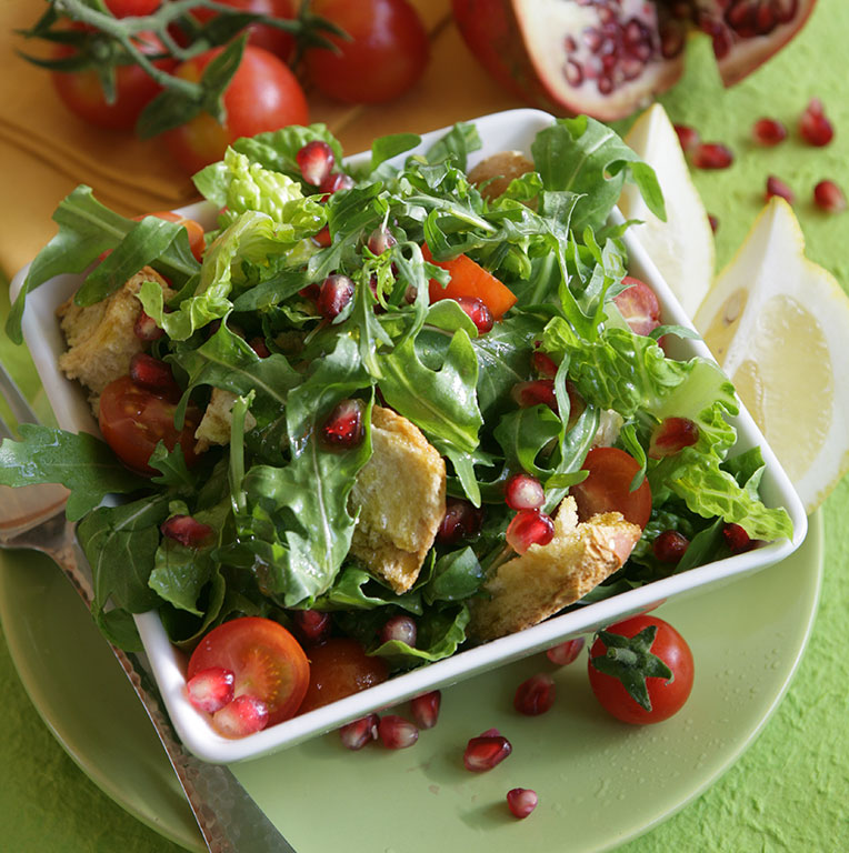 salad with arugula and cherry