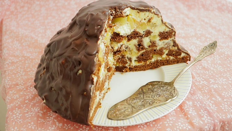 recipe for a delicious cake with sour cream