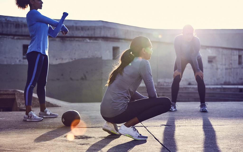 Польза зарядки: положительное влияние физических упражнений на организм, движение, растяжка, упражнения, правила проведения и регулярность занятий