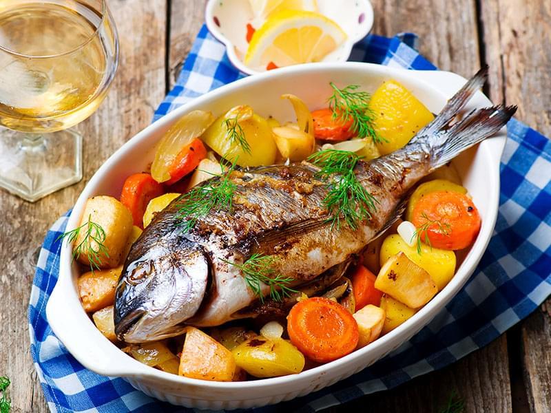 блюда из тушеной и запеченной рыбы