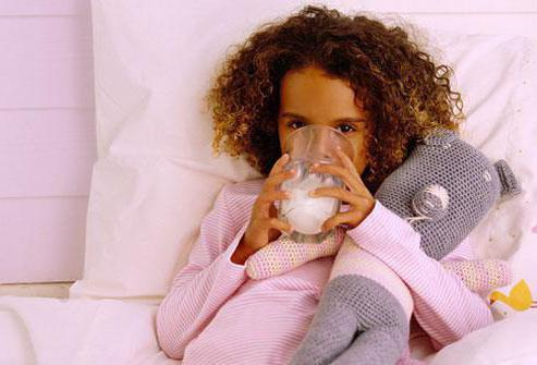 Можно ли на ночь молоко пить? Особенности употребления молока, свойства, польза и вред