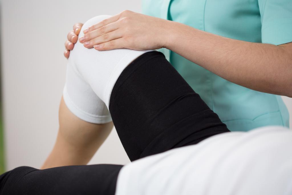 киста колена операция