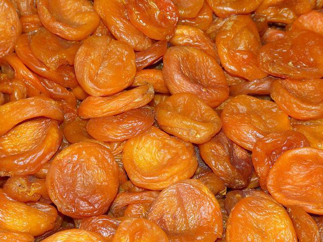 полезные свойства абрикоса для человека и противопоказания