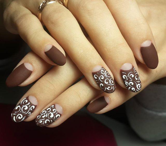beautiful pattern manicure