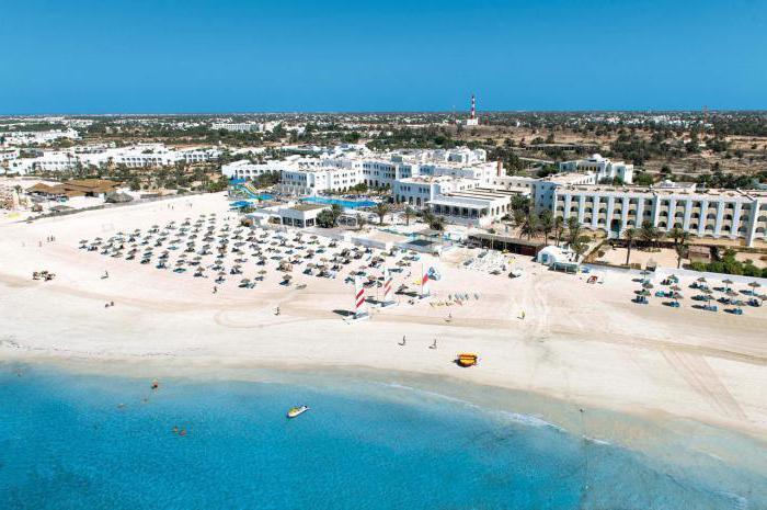 Где лучше отдыхать в августе на море за границей 16