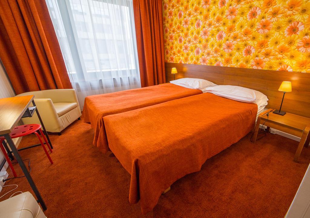 розовых сиреневых гостиница москва в спб фото биатлонистка трехкратная чемпионка