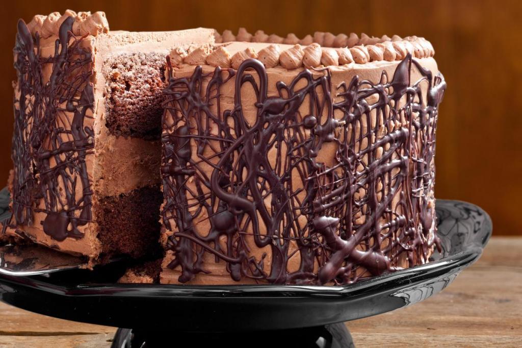 Подтеки на торте из шоколада