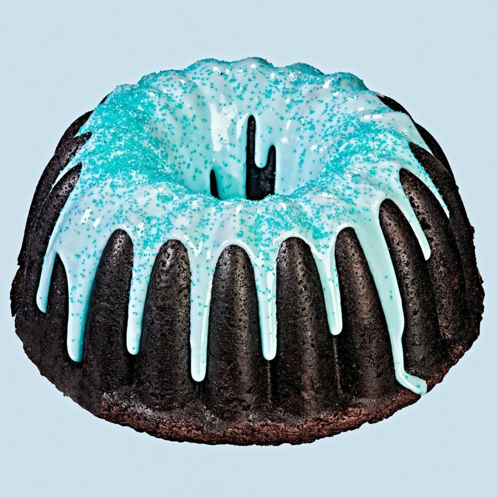 Подтеки на шоколадном торте
