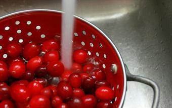Клюковка (наливка клюквенная) – кулинарный рецепт