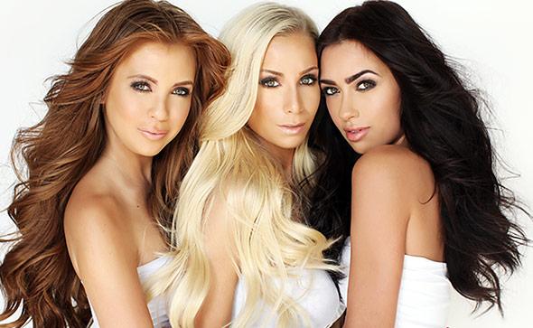 три девушки с длинными волосами