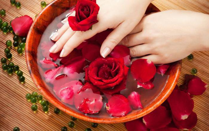 что можно сделать из сухих лепестков роз