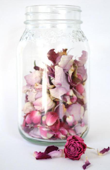что можно сделать с засохшими лепестками роз