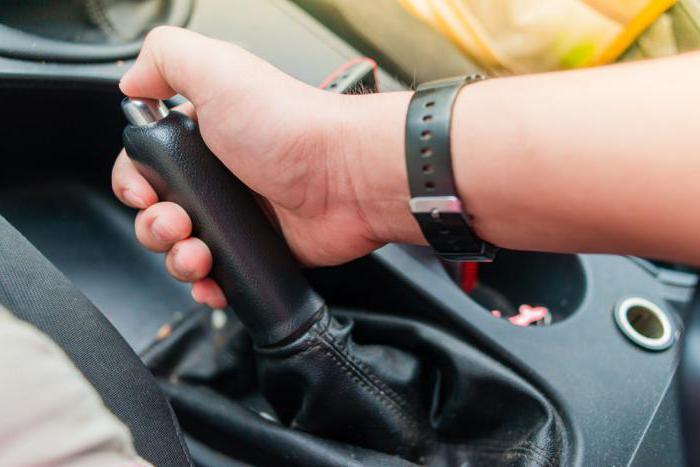 Порно на ручнике автомобиля
