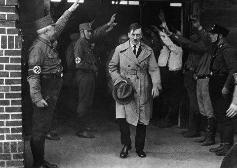 общие черты тоталитарного и авторитарного режимов
