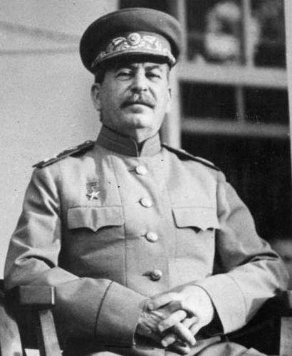 авторитарный и тоталитарный режимы сходства