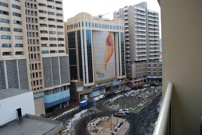 Дубай банияс сквер когда россия откроет границу с беларусью