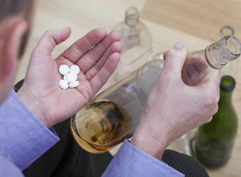 можно ли совмещать лекарства с алкоголем