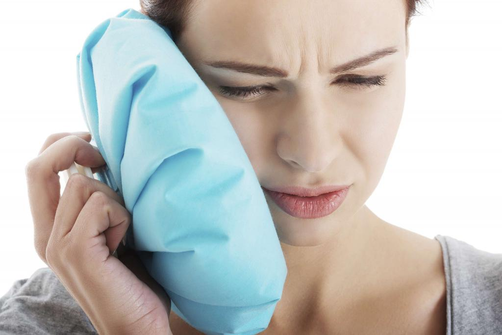 it is difficult to open your mouth after tooth extraction