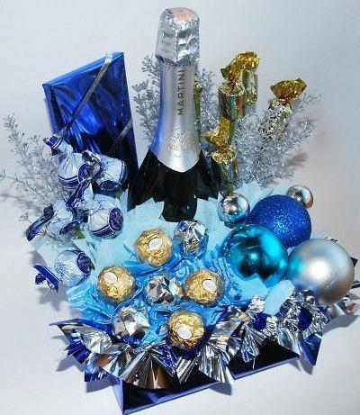 фото бутылка шампанского украшенная конфетами