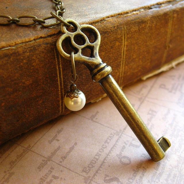 Найти во сне ключ – удалить вас ждут великие дела.