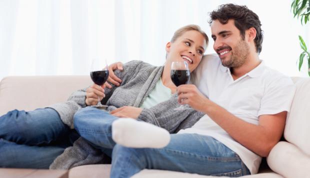 Муж не уделяет внимания жене - что делать? Помощь семейного психолога