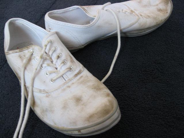 как почистить белые кеды из ткани