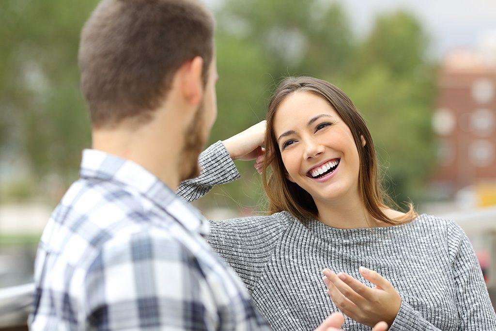 Как Разговаривать С Знакомым Мужчиной