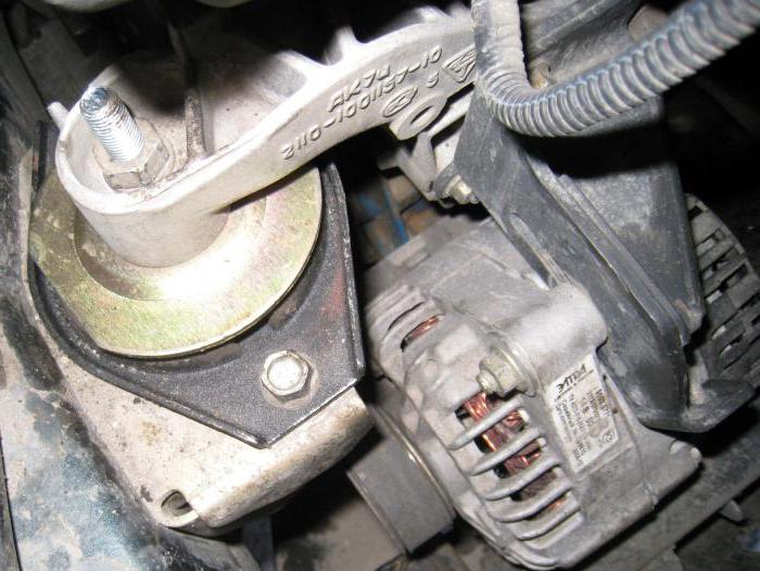 как снять двигатель