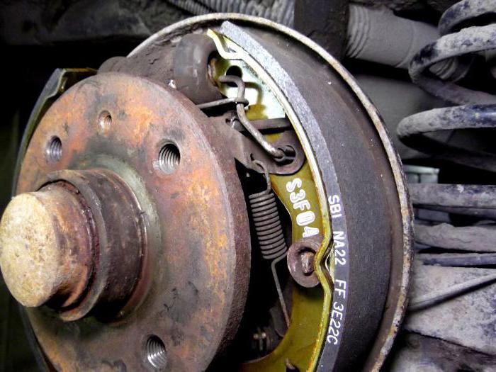 замена задних тормозных колодок на нексии daewoo