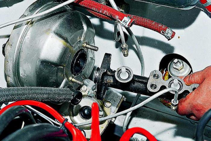 Ремонт и замена главного тормозного цилиндра ВАЗ-2107