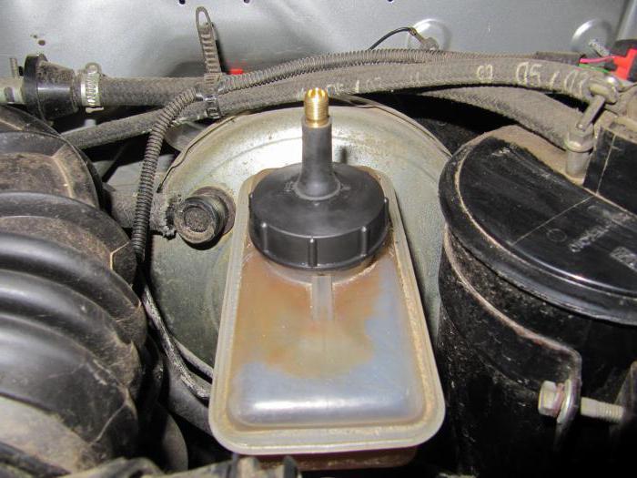 Как прокачивать тормоза на ВАЗ-2107 самостоятельно