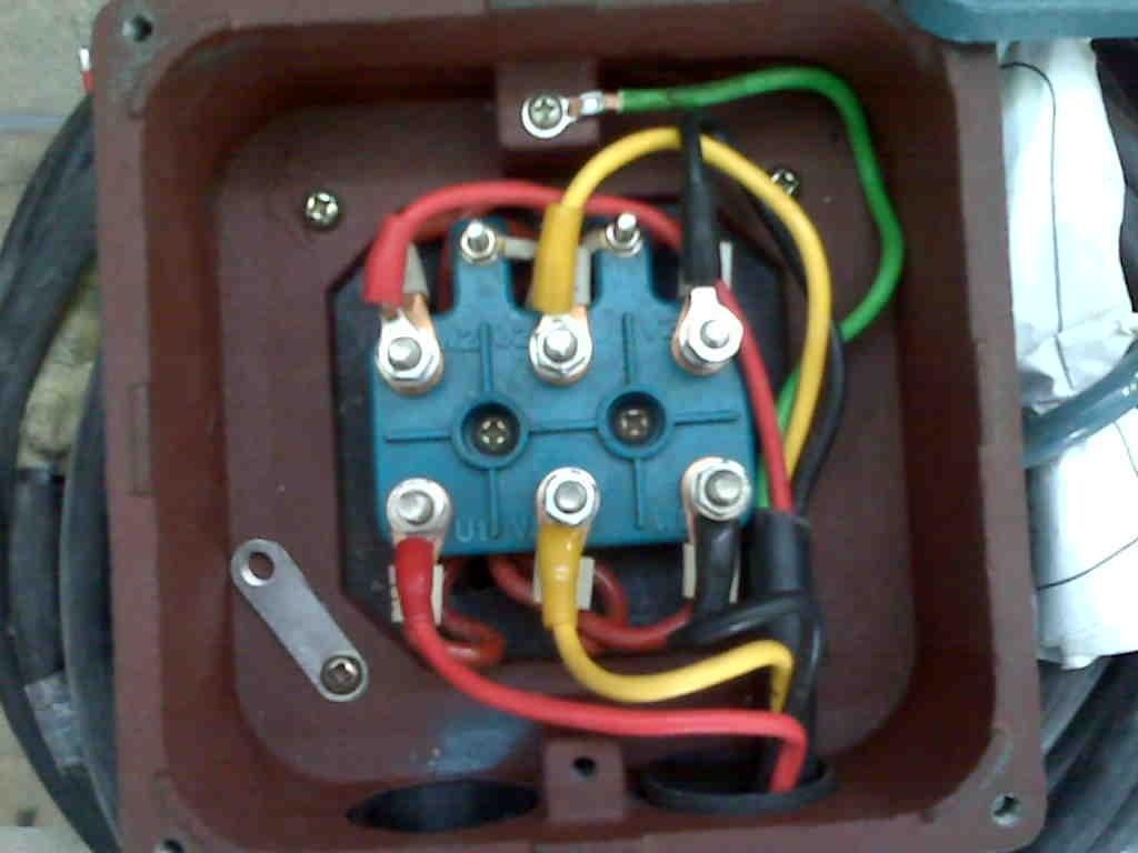 Контакты электрического двигателя