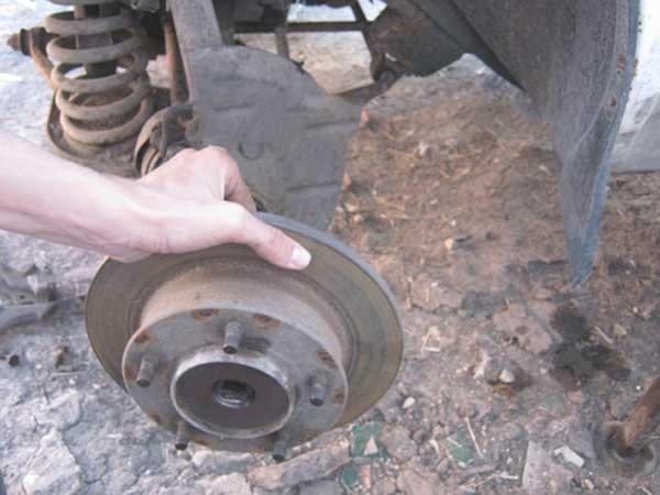 Замена тормозных дисков Нива Шевроле своими руками