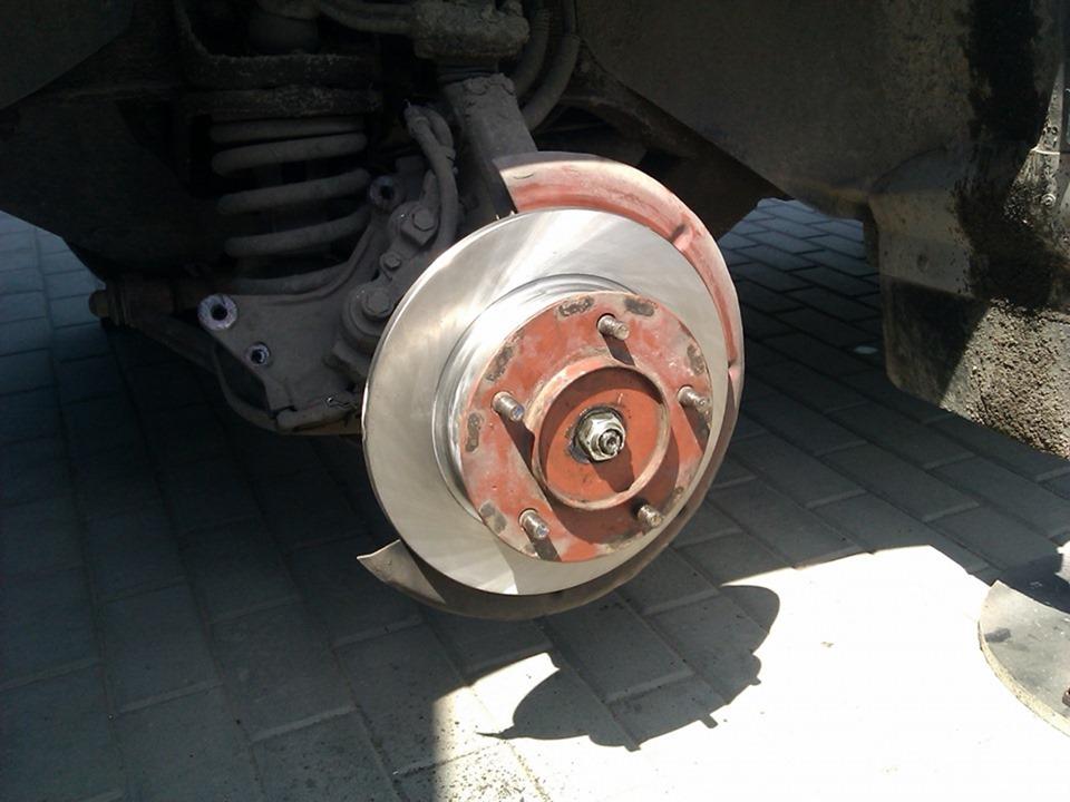 Замена передних тормозных дисков Нива Шевроле