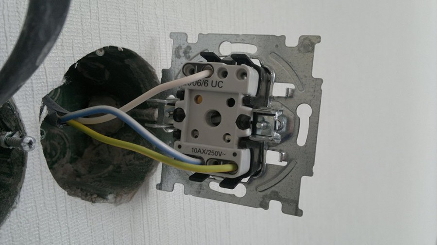Do-it-yourself circuit breaker from conventional switches