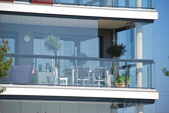 Панорамный балкон: дизайн, плюсы и минусы, утепление.