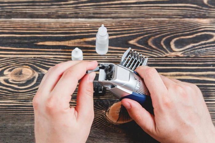 Наиболее качественная заточка машинки для стрижки волос производится на профессиональном оборудовании.