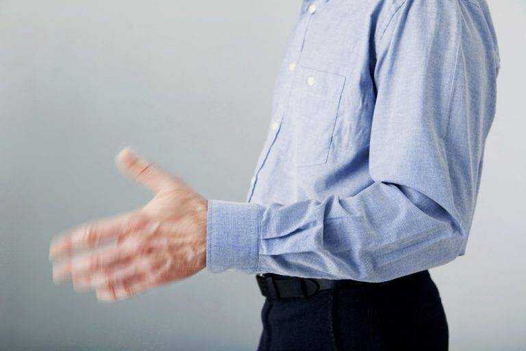 почему у алкоголиков трясутся руки постоянно